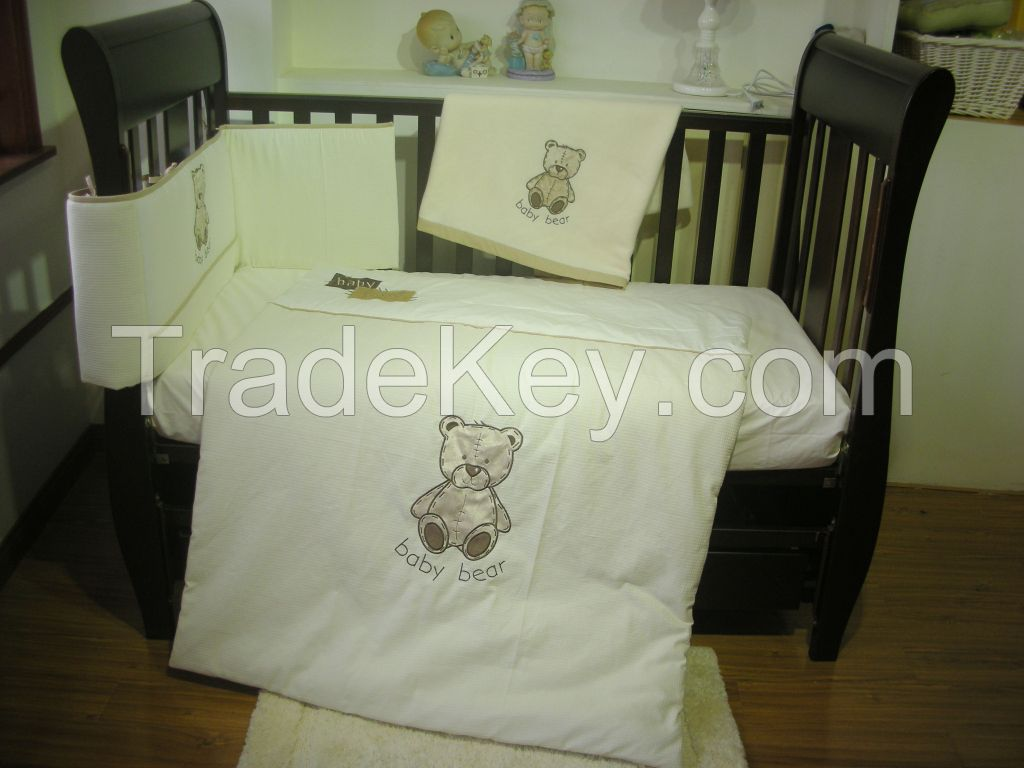 new style cartoon printed baby bedding set yellow and white baby bedding sets