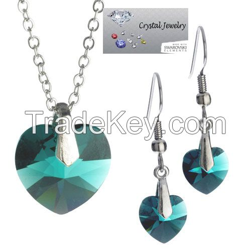 Genuine  Austrian crystal stones in Emerald Green necklace