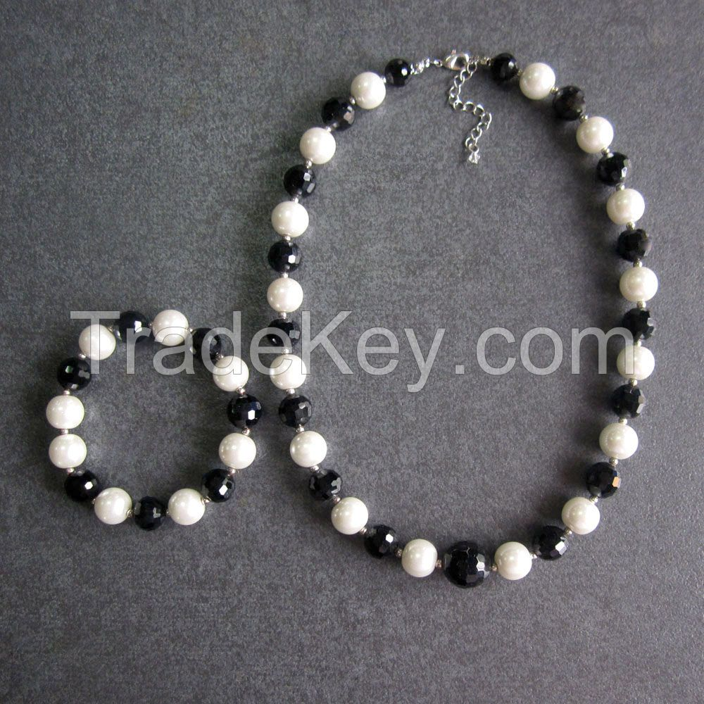 Glass beaded necklace and bracelet jewelry sets for kids