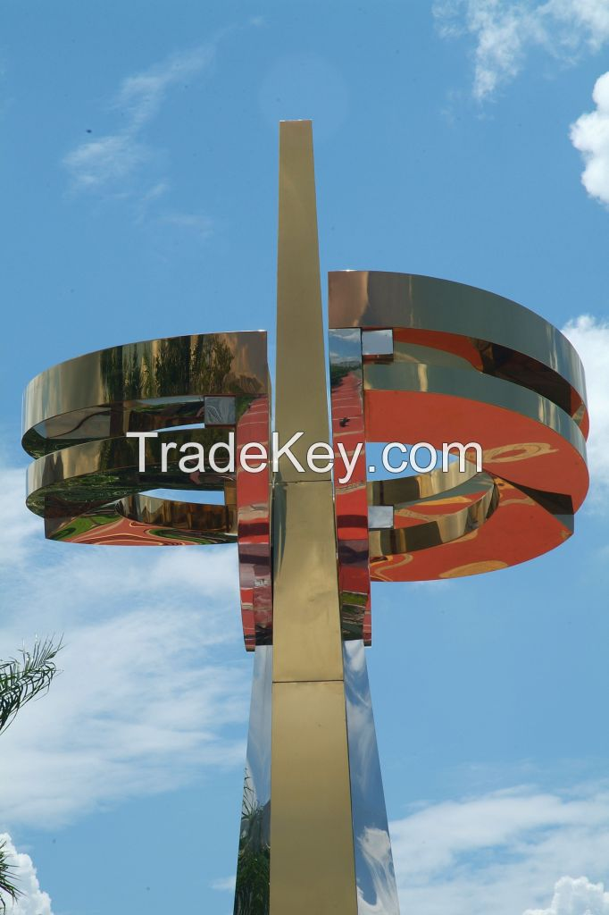 Mirror Polished Large Stainless Steel Sculpture