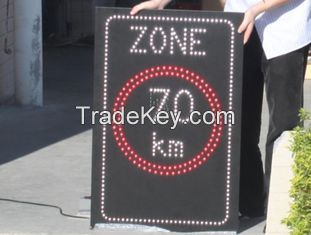Automatically 1R1W Single Chip Adjust Outdoor Moving Led Traffic Signs Controlled by PC
