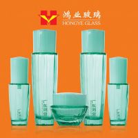 Fashion Packaging transparent green color empty cosmetic sets spray glass bottle with pump HY1651