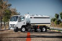 4 CBM Vacuum Road Sweeping Truck