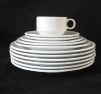 Dinner sets of porcelain white color for home and restaurant