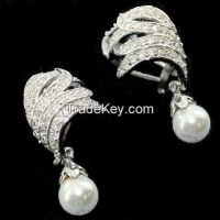 new pearls wedding and engagement earrings
