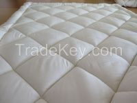 Wool quilt wool comforter bedding made in Australia