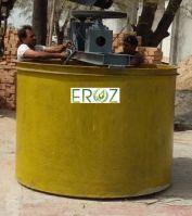Centrifugal washing tank