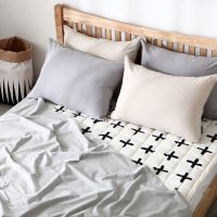 100% cotton rug with Cross pattern