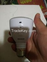 Led  retractable emergency light