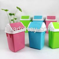 Indoor Smell Isolate PP Materia Mini Plastic Dustbin with Lid