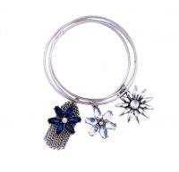 Charming Flower Tassel Bangle Bracelet