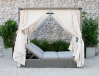 Best selling synthetic wicker rattan double sunbed with canopy outdoor furniture sun lounger