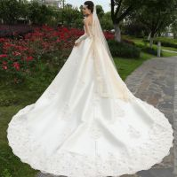 High quality beautiful lace luxurious 2016 off-shoulder wedding dress with bridal veil