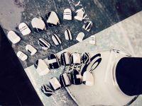 Beautiful Korean Ulzzang Style False Nails Black/White Color Using Glue