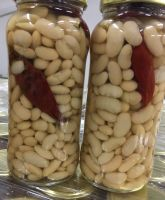 canned beans with chilly peppers
