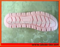 The CNC Machine use Resin Tooling Board for soles pattern Mould