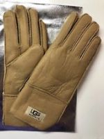 brand new UGG gloves with