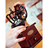 [Holar] Hand-crank Roller Coffee Grinder with Rubber Wood 100% Taiwan Made