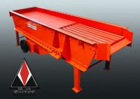 Vibrating feeder for crusher plant