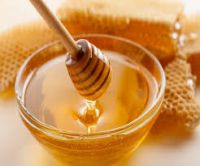 100% pure polyflora bee honey for healthy and beauty packed in honey jar
