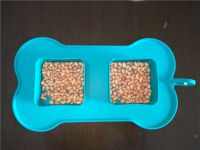 BPA Free Silicone Foldable Pet Bowl with 2 Caves