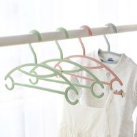 Manufactuer Plastic hangers or racks