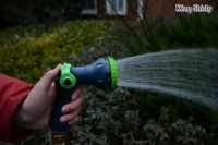 8-pattern water nozzle w/ thumb switch
