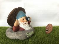 Polyresin Photo Gnome with Solar LED light and glow word Miniature Figurine