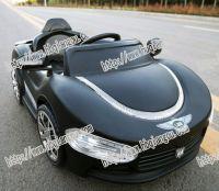 2.4G Bluetooth remote control 12V mini electric kid car