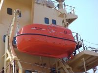 26 Persons Totally Enclosed Lifeboat & Davit
