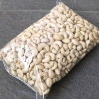 Cashew Nuts for sale / Raw Cashew Nuts W320 / Processed Cashew Nuts W320 sales out now