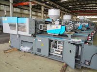 Plastic injection molding machine 80TON