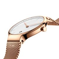 Ultra-thin Movement Gold Quartz Watch with Mesh Straps 5 ATM Water Resistant for Women