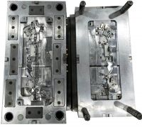 Plastic injection mould for automotive part