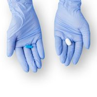 Extripod disposable polypropylene exam glove powder free