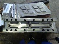 Compression mould for polymer sand paver tile