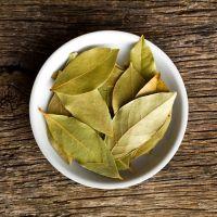 100% natural dried bay leaf