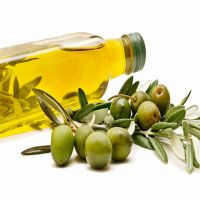 Refined Olive Oil and Sunflower Cooking Oil .