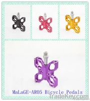 mlg-AR05 bicycle pedals with butterfly shapes