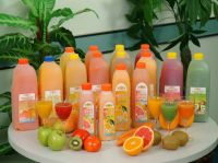 2L装扬雅鲜果榨汁 juice