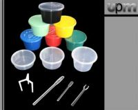 plastic containers, stirrers, drinking straw.