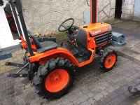 Kubota B1610 tractor