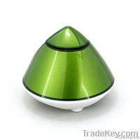 Pyramid style mini bluetooth speaker for iPhone and iPad