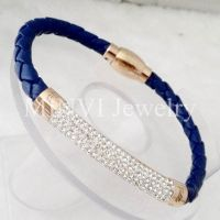 Fashion Crystal Bangle Made of Leather and 18K Gold