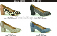 Ladies heeled Clogs
