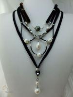 16_Pearl Velvet Necklace