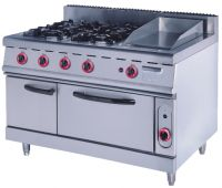 Gas range with oven and griddle
