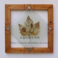 World exclamation------Sky blue natural leaf carves