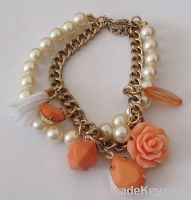 Fashion flower pearl bracelet