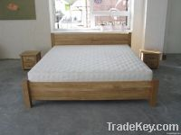 Solid oak bed with beeswax finishing